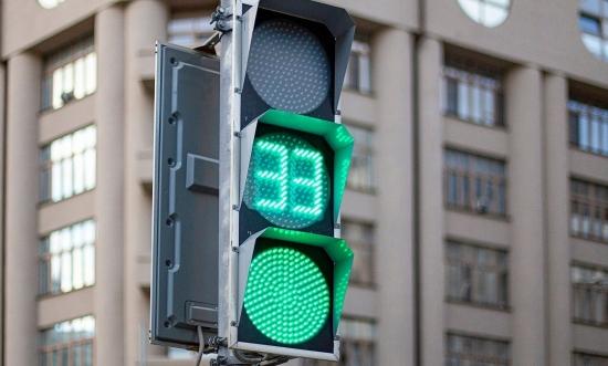 Квадратные светофоры в Москве